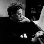 "Philip Glass: ""La mia musica"" scontato del 50%"